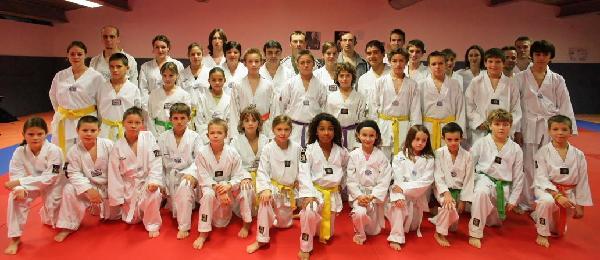 Photo de groupe des élèves de Bouliac et Génissac.