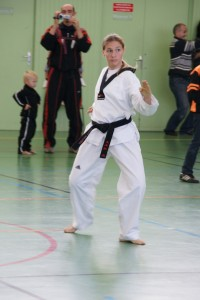 taekwondo-technique-poomse-feminin-herault-beziers-17.jpg