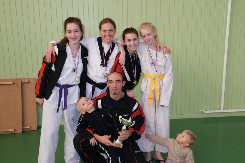 taekwondo-technique-poomse-feminin-herault-beziers-19.jpg