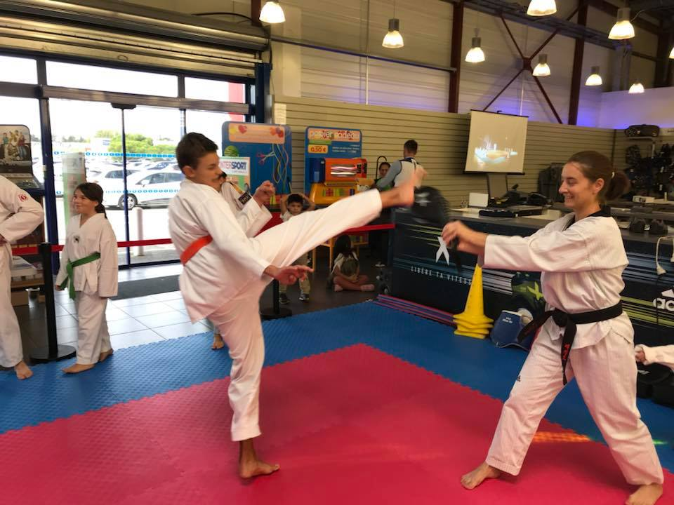 animation-taekwondo-intersport-libourne.jpg